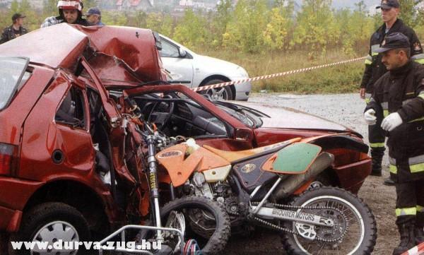 Motor vs. autó