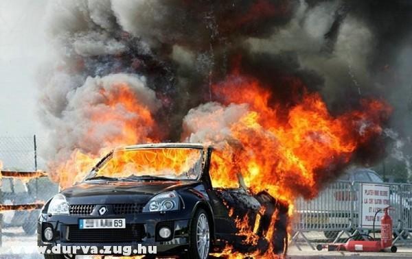 Kigyulladt a Renault