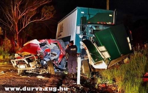 Kamion és terepjáró ütközött