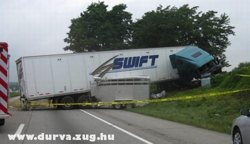Kisodródott a kamion