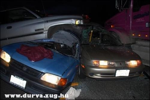 Három autó ütközött