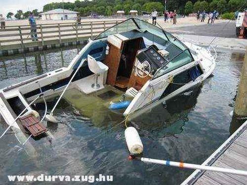 Süllyed a hajó