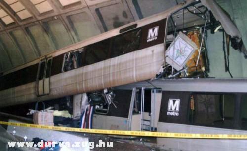 Metro baleset