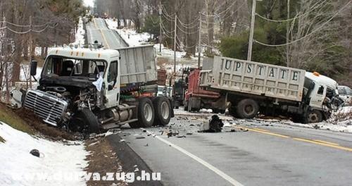 Kamionok balesete