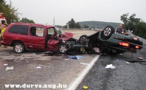 Durva baleset az autópályán