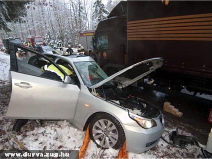 BMW és kamion találkozott