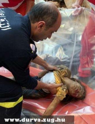 Halott gyermek a közelkeleti összecsapások helyszínén