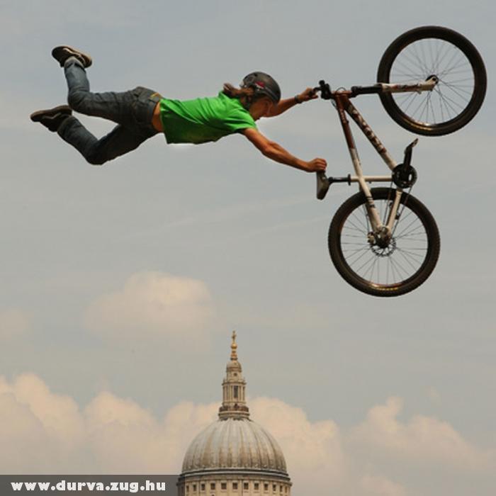 Kerékpárral a városban