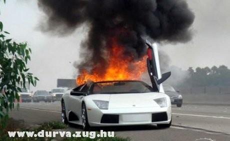 Ezek Lamborghini-k könnyen nyulladnak